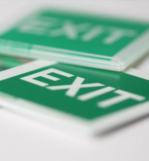 Cartelli di sicurezza verde e bianchi